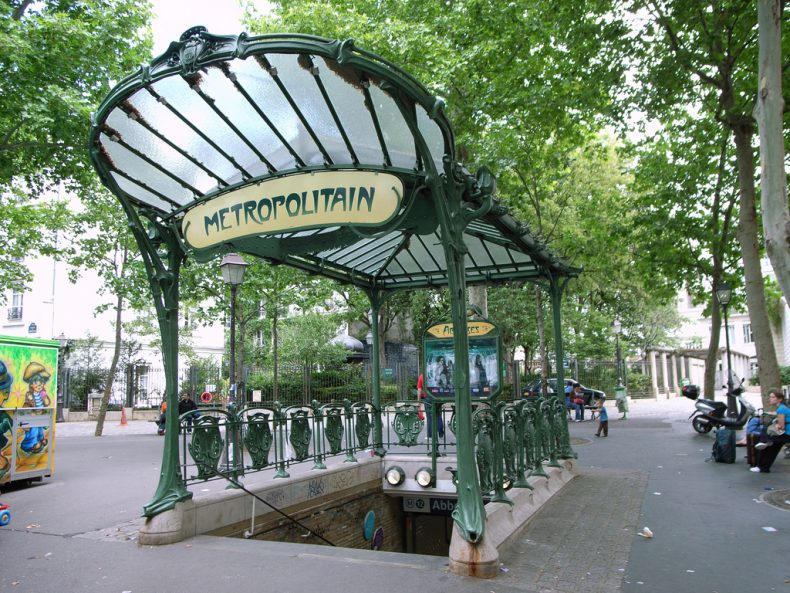 abbesses_metro1