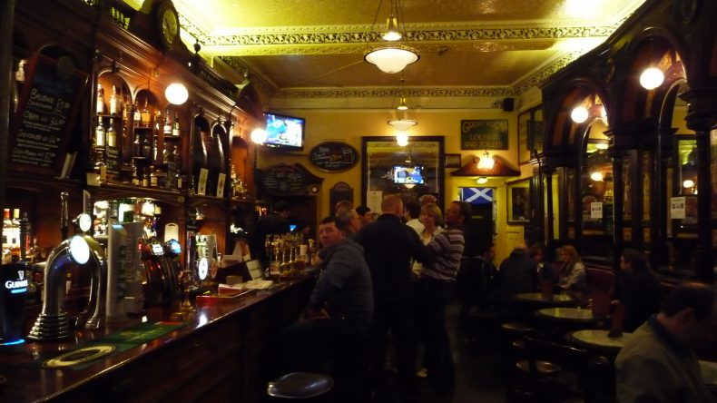 Top 5 Bars & Pubs in Edinburgh | Travel Tips from Real ...